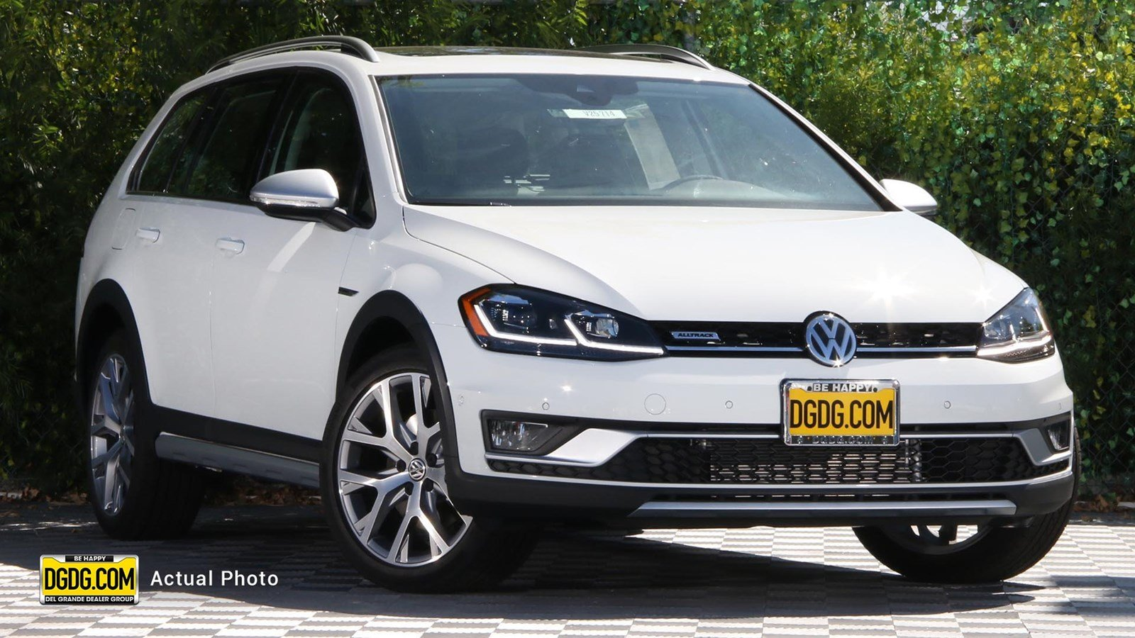 New 2019 Volkswagen Golf Alltrack SE