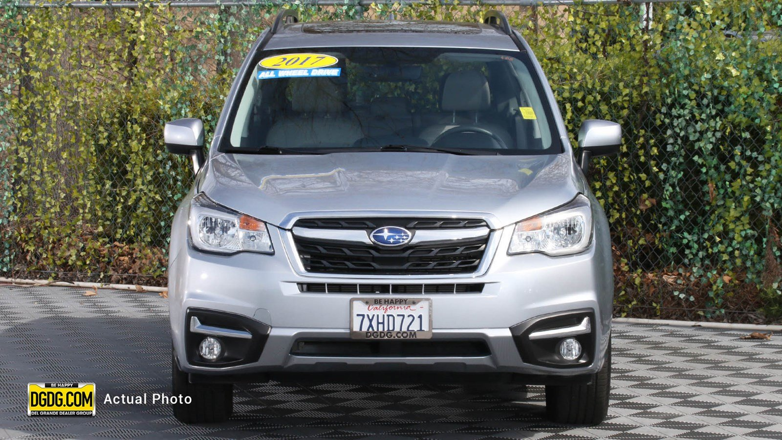 Pre-Owned 2017 Subaru Forester 2.5i Limited